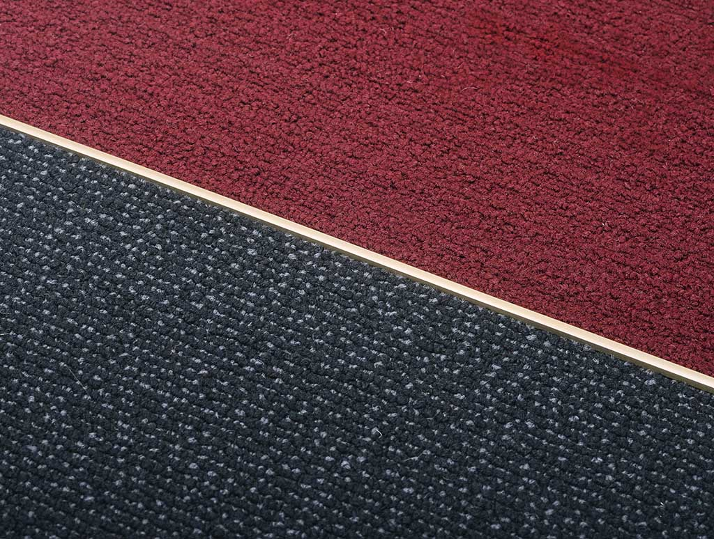 Terminal flecha de bronce para alfombras atrim for Pisos en la flecha